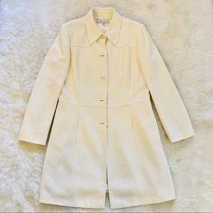 Like New Tahari Beautiful Cream  Collared Coat